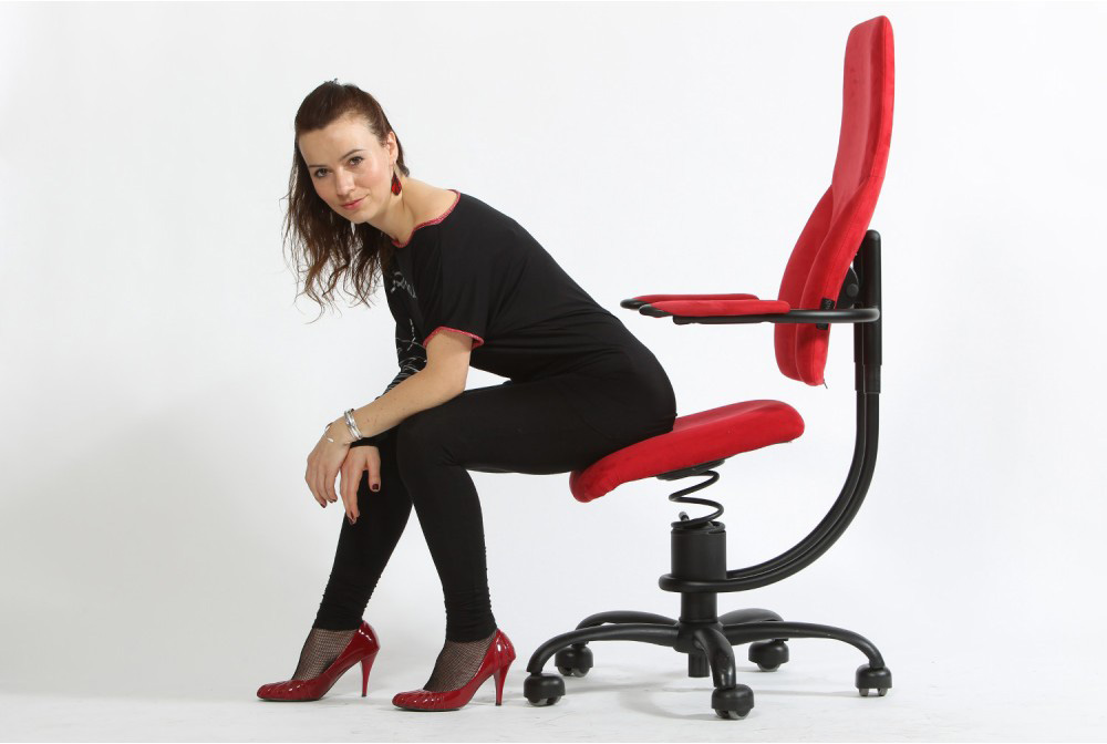 kinek jó a térdeplő szék